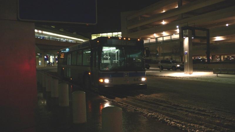 雪のダラス空港